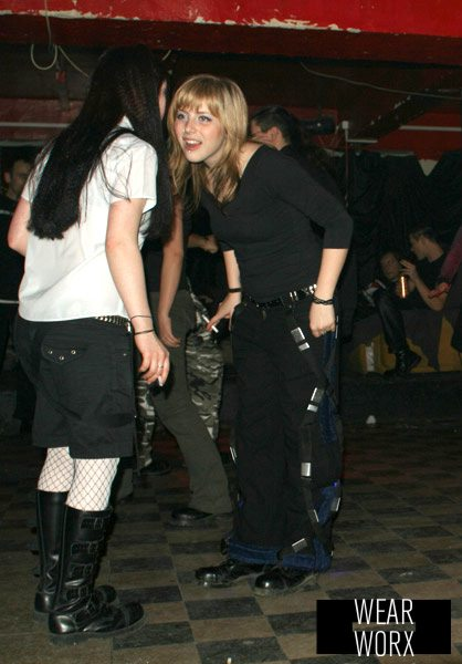 wearworx_2007_anita_future_dream_party_metal_trousers.jpg